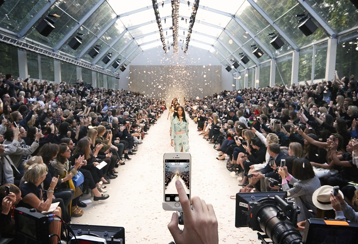 Iphone at burberry's ss14 show