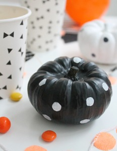 Halloween_table_styling_and_DIY_and_photo_by_Geraldine_Tan_Little_Big_Bell